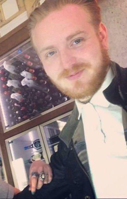 Молодая британка, искавшая состоятельного ухажера, стала жертвой мошенника (2 фото)