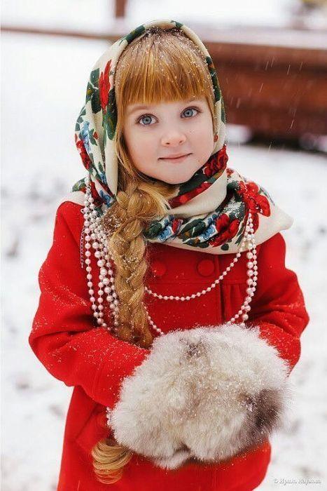 Девушки в русских нарядах (26 фото)