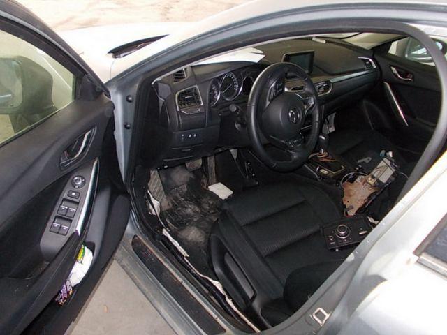 В Польше продают изъятые у контрабандистов автомобили (5 фото)
