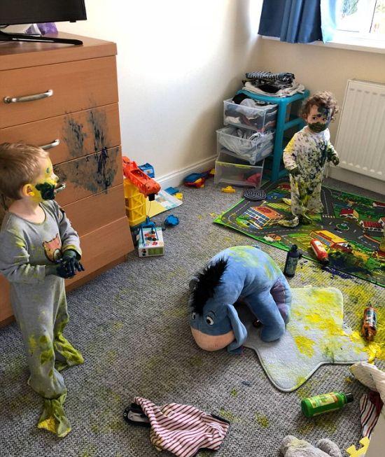Мать оставила детей всего на пять минут... (3 фото)