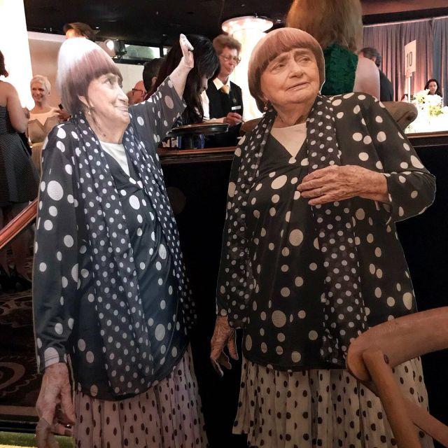 Режиссер Аньес Варда прислала на встречу номинантов на «Оскар» свою картонную копию (4 фото)