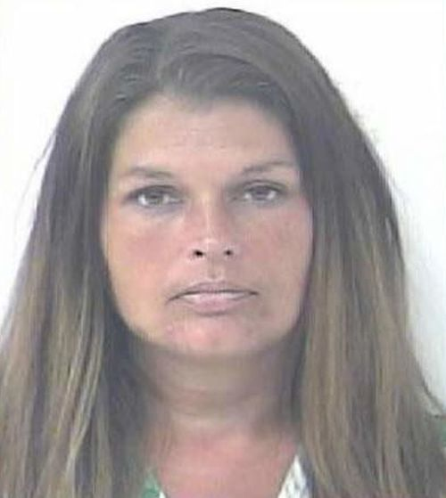 В США учительницу приговорили к 10 годам тюрьмы за совращение школьников (4 фото)