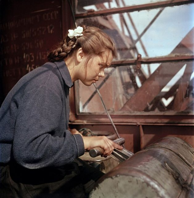 Постановочные цветные фото советской эпохи (29 фото)