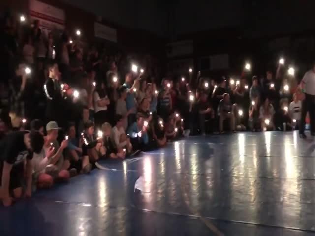 Смартфоны спасли от переноса финал школьного турнира по борьбе
