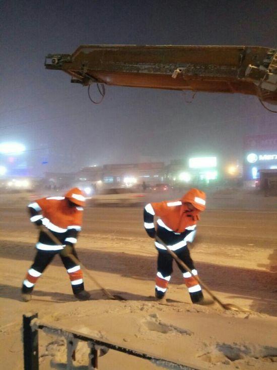 Суровые будни якутских дорожников (5 фото)