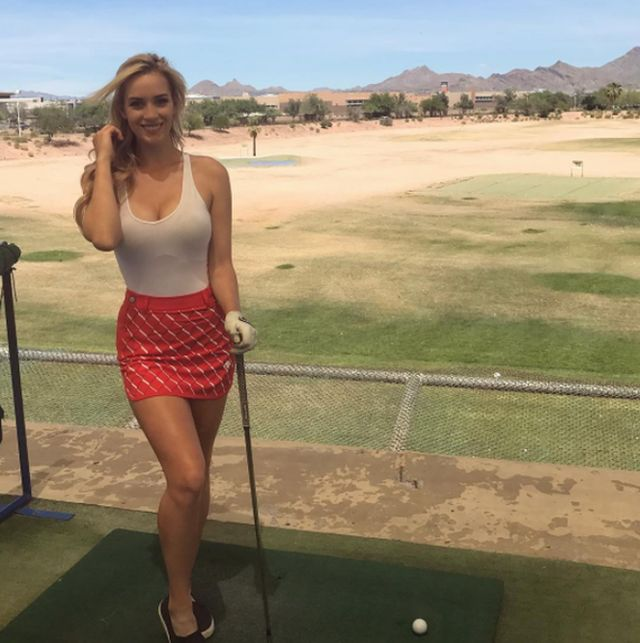 Слишком красивую гольфистку Пейдж Спиранак заставили соблюдать дресс-код (12 фото)