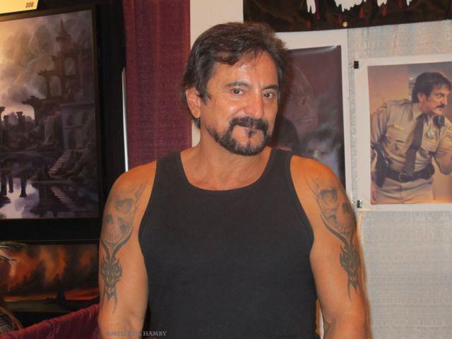 Мускулистый Том Савини (3 фото)