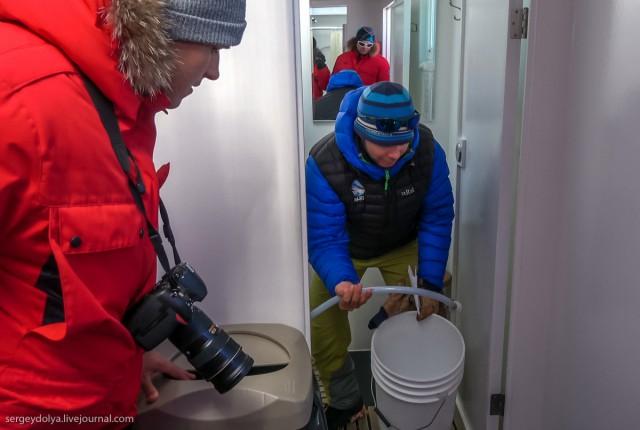 Палаточный лагерь в Антарктиде (5 фото)