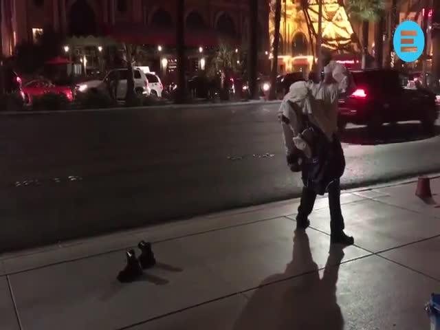 Уличный артист удивил зрителей