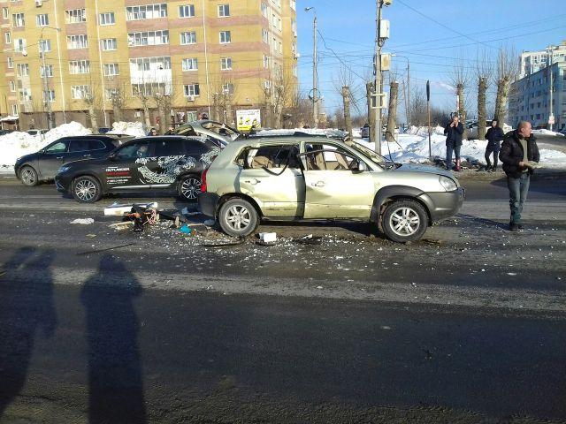 Взрыв автомобиля от ГБО на Казанском шоссе (фото + видео)