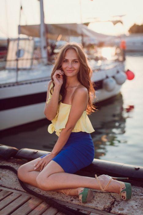 Восхитительные девушки с естественной красотой (32 фото)