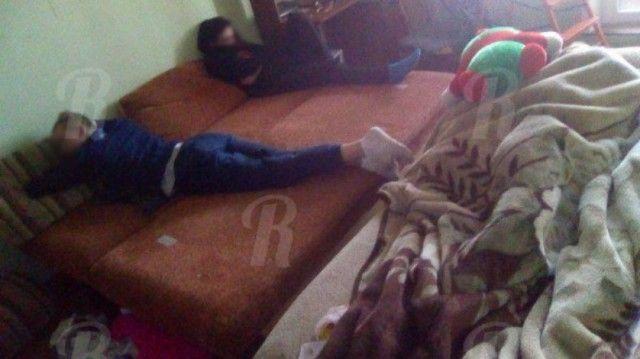 Как отдыхают подростки «на вписке» в самом центре Смоленска (4 фото)