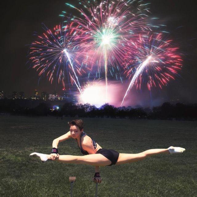 Гибкости этой девушки можно позавидовать (20 фото)