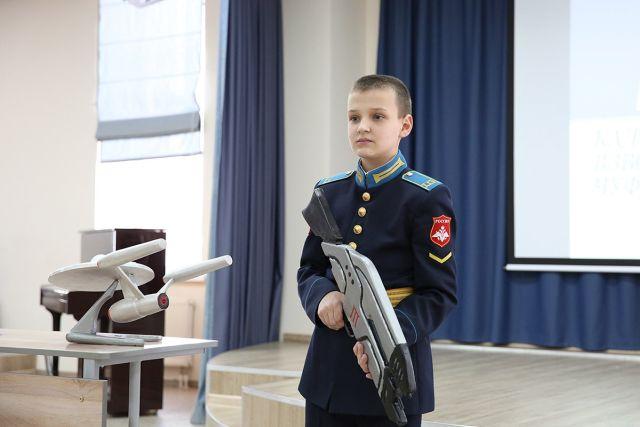 Юный инженер оружия из Оренбурга (2 фото)