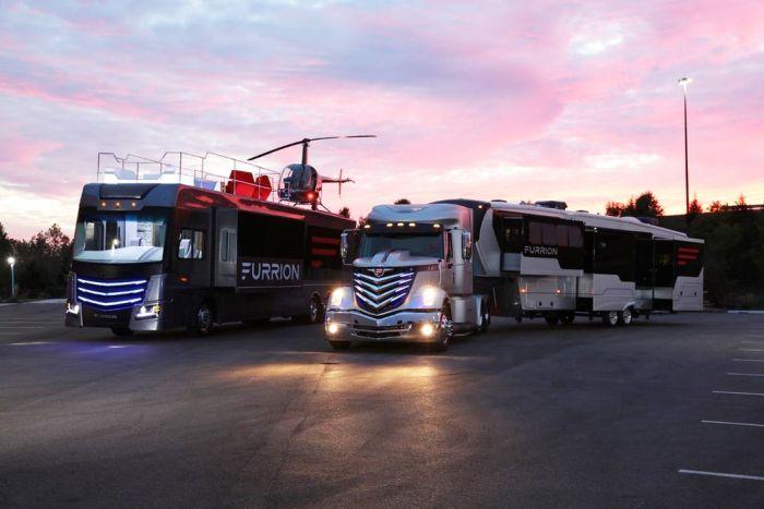 Фургоны с вертолетной площадкой (16 фото)
