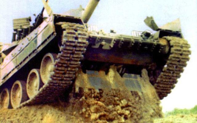 Копательный ковш — дополнительная фича для танка (3 фото)