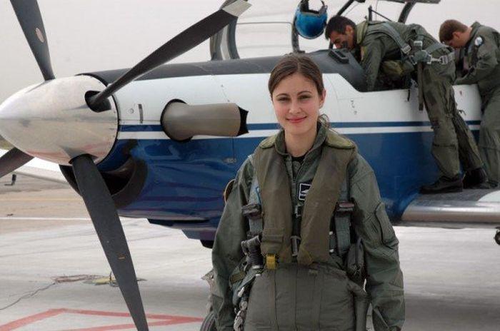 Военнослужащие девушки (35 фото)