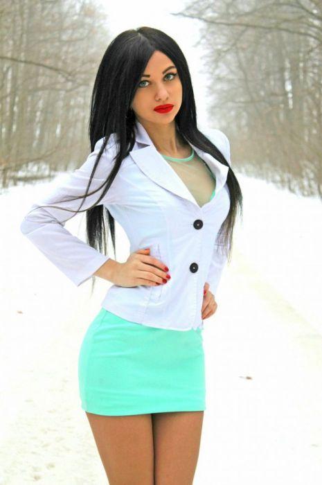 Фото красивые жопы в коротких мини юбках 5