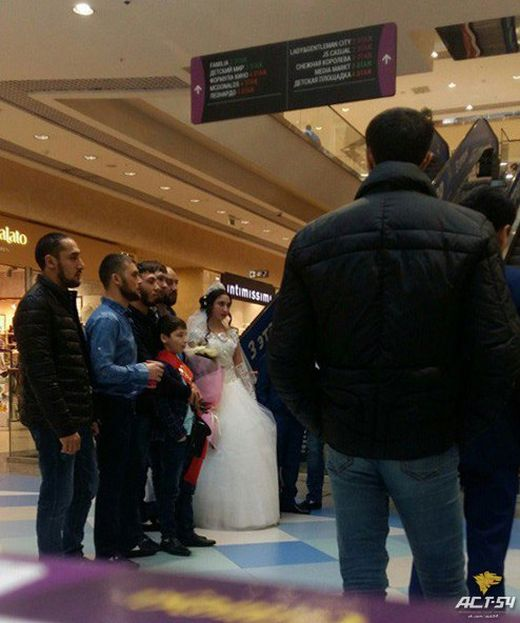 Жениться никогда не рано (3 фото)