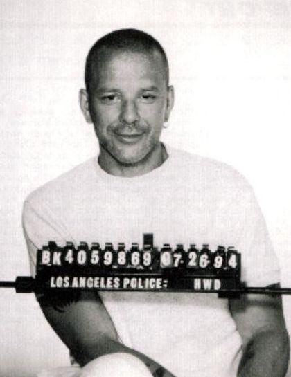 Фото не для кастинга: знаменитости в полицейском отделении (9 фото)