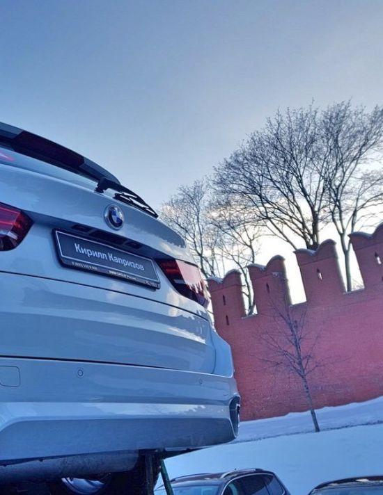 140 BMW на Красной площади ожидают российских медалистов Олимпиады-2018 (5 фото)