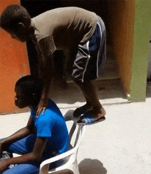 «Прыжок скорпиона» во всей красе (16 гифок)