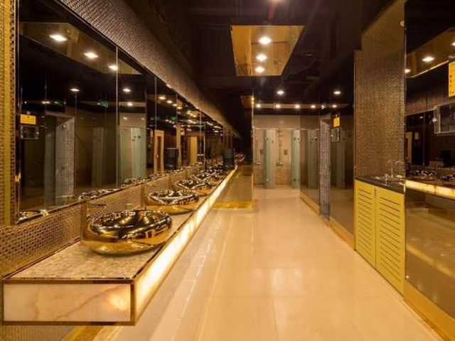 Самый дорогой в мире спортивный зал (16 фото)