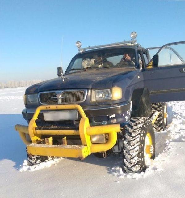 Симбиоз Волги-3110 и ГАЗ-66 – неубиваемый внедорожник (7 фото)