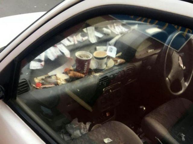 Автомобиль развозчика пиццы из Сомерсета (3 фото)