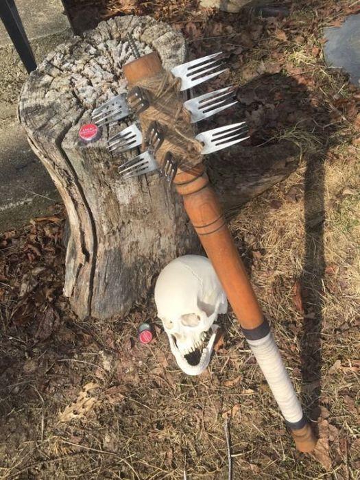 Жизнь после апокалипсиса: главное - оружие (34 фото)