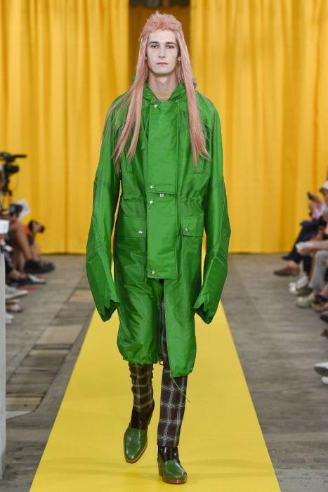 Наряды бельгийского модельера Вальтера ван Берендонка (16 фото)