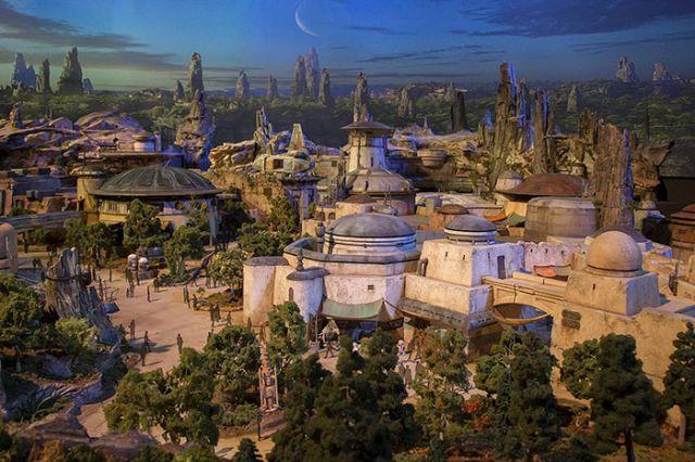 Парк развлечений «Звездные войны» от Disney (11 фото)