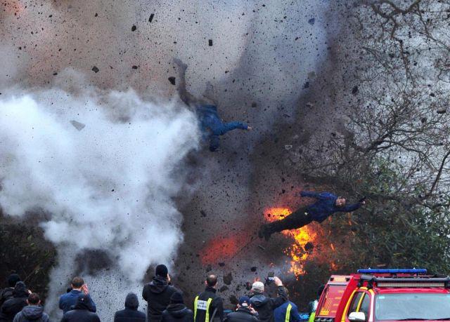 Взрыв на съемочной площадке: работа каскадеров для фильма «Падший ангел» (3 фото)