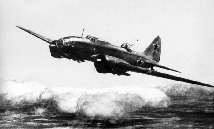 Поисковые работы на месте крушения самолета ДБ-3 (51 фото)