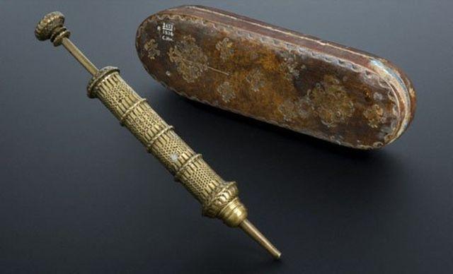 История создания шприца (4 фото)