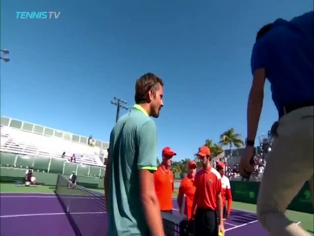 Теннисист Даниила Медведев ответил на оскорбление Стефаноса Циципаса