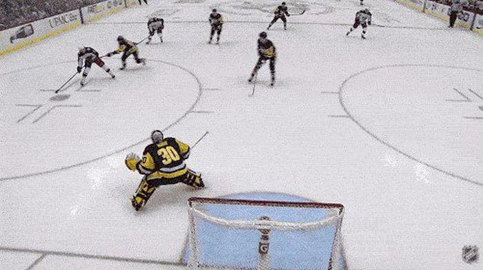 Невероятные сейвы вратарей НХЛ (17 гифок)