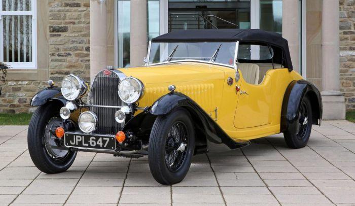 В Великобритании продадут эксклюзивный кабриолет Bugatti Type 57 Grand Raid 1935 года (5 фото)