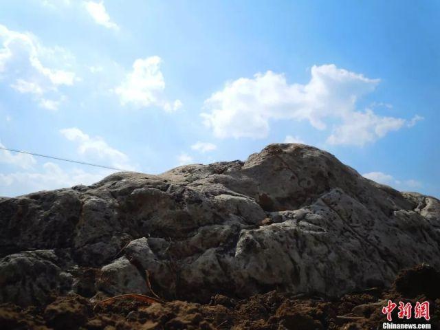 Цзиншань - самая маленькая гора Китая (3 фото)