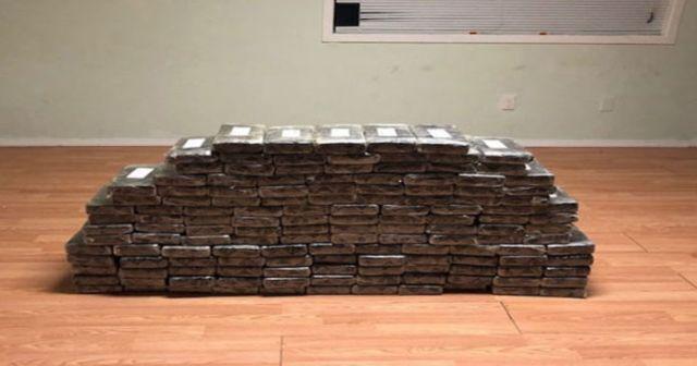 Полиция Калифорнии нашла тайник с кокаином на 8 млн долларов (2 фото)