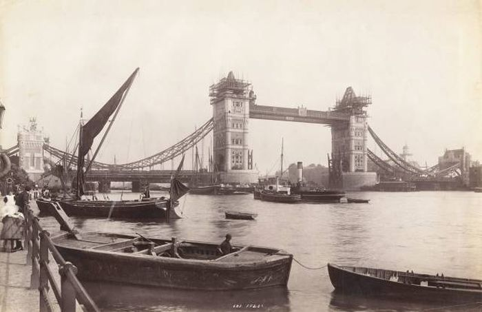 Известные города 100 и более лет назад (21 фото)