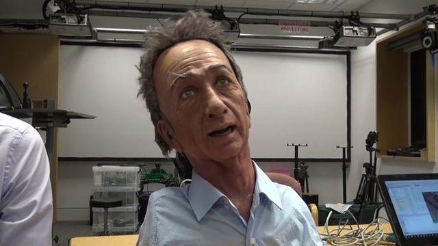 В Великобритании создали робота с человеческой мимикой (3 фото + видео)