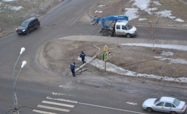 В Великом Новгороде 16-летний подросток устроил серьезную аварию (4 фото)