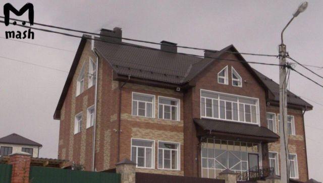 В домах главы МЧС Кемеровской области Александра Мамонтова прошли обыски (4 фото)