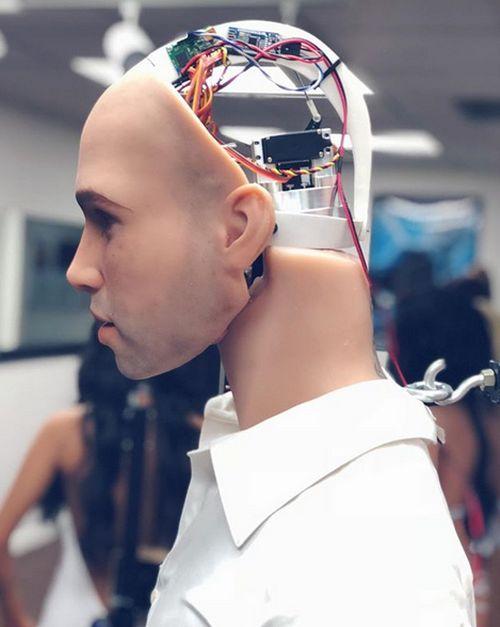 В компании Realbotix разработали секс-робота для женщин (5 фото + видео)