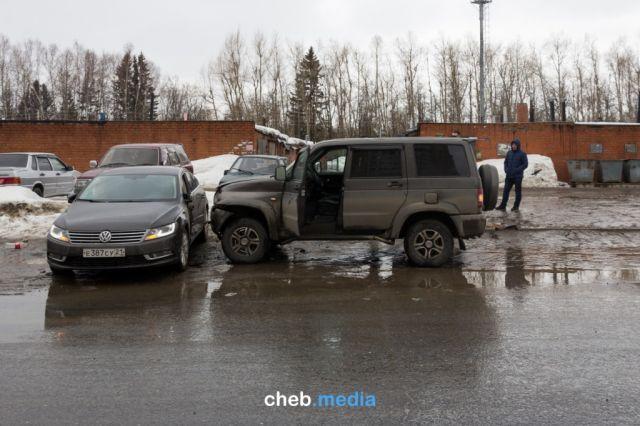 ДТП в Чебоксарах связывают с борьбой за право перевозки пассажиров на одном из маршрутов (6 фото + видео)