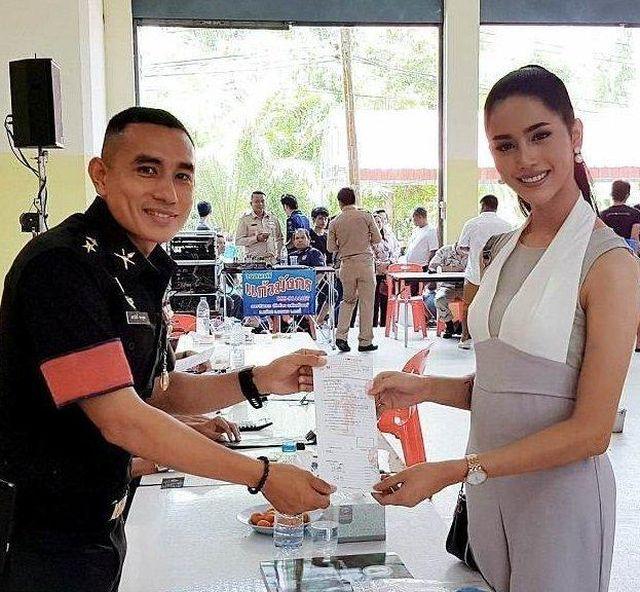 Тайские военкоматы в дни призывной кампании (9 фото)