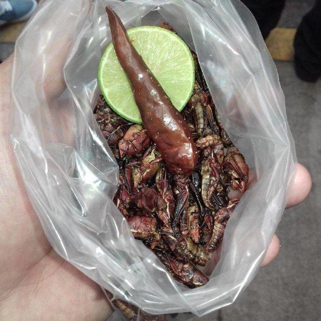Национальные блюда, которые не каждый осмелится попробовать (19 фото)