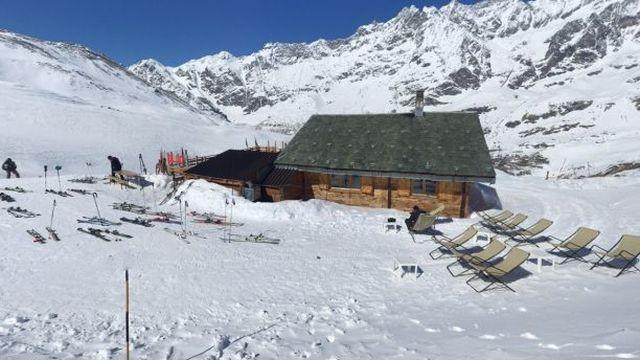 В итальянских Альпах заблудившийся пьяный турист поднялся на высоту 2400 метров