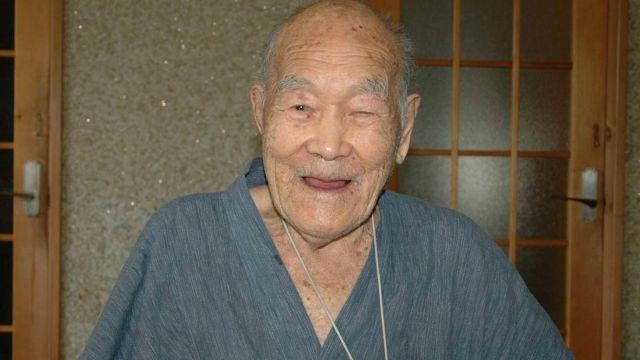 Аппаз Илиев из Ингушетии оказался на 10 лет старше самого старого жителя планеты Масадзо Нонаки (2 фото)